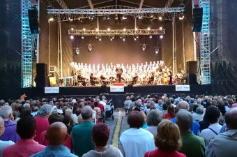 Vigo Symphony Orchestra in Plaza Mayor stage